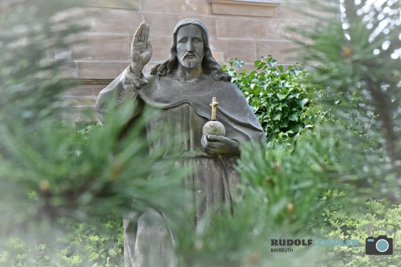 2020-04-09-St.-Bartholomäus-Kirche-Mistelgau-006-RZL
