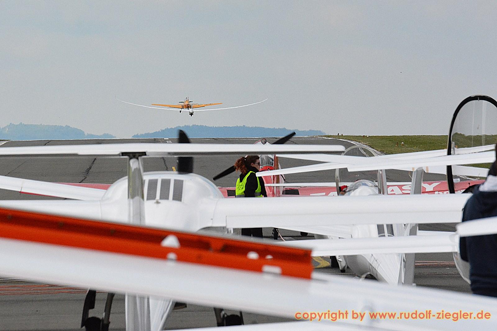 Bayerische Segelflugmeisterschaften - Flugplatz Bindlach 036-A-S (1600x1200)