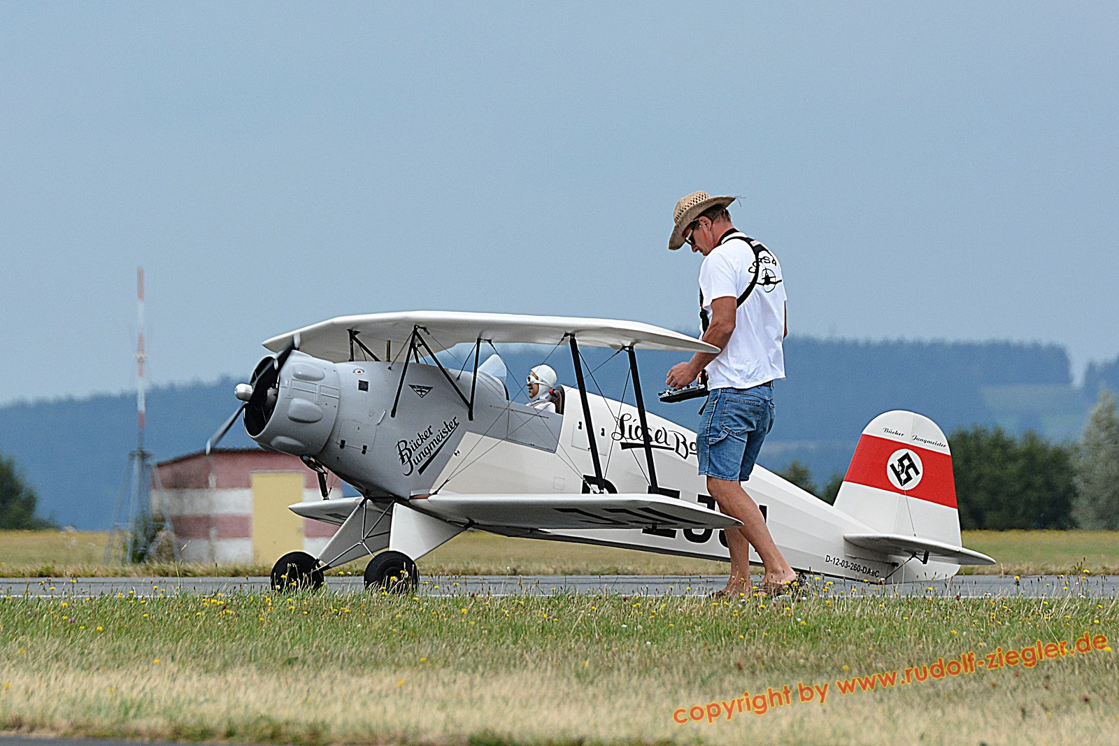 UNITED RC Flights 2016 am Flugplatz Bayreuth 042-A-S (1600x1200)