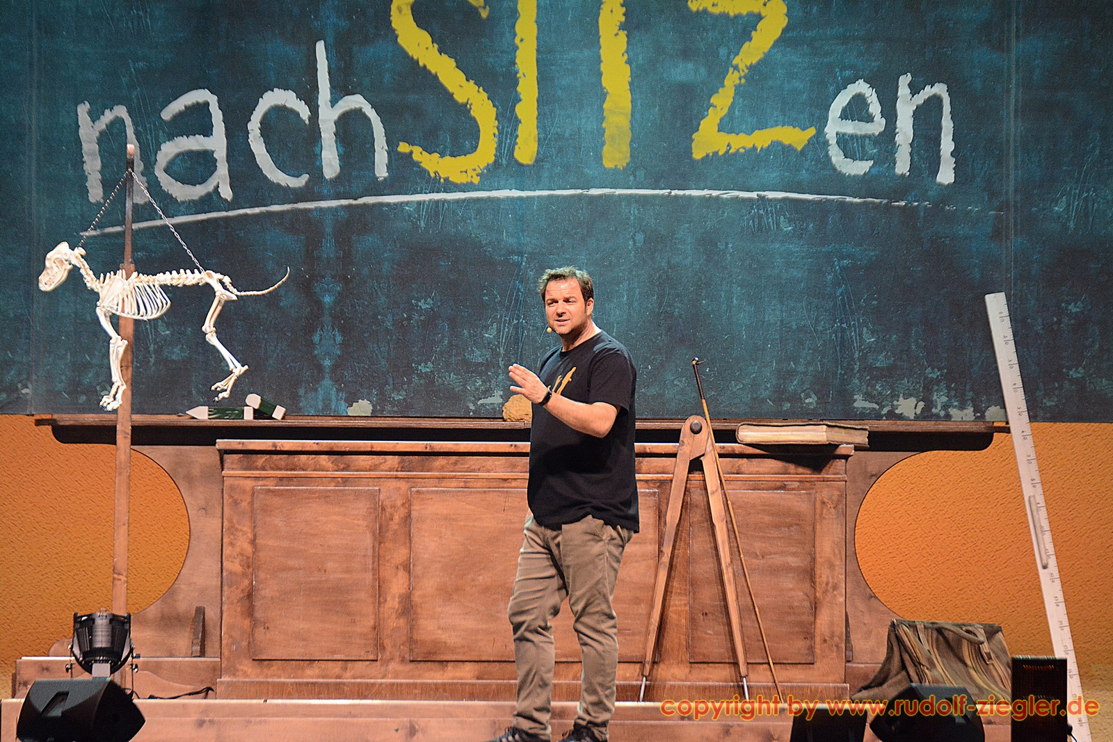 Martin Rütter - nachSITZen 050-S (1600x1200)